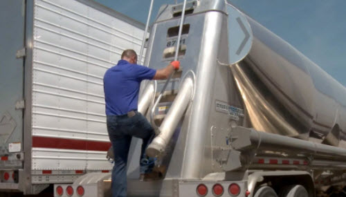gw-1292021-truck-slips-falls
